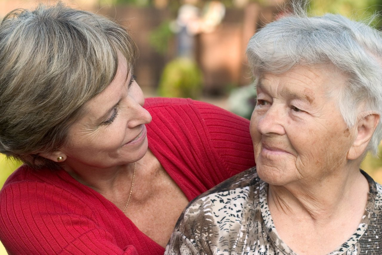 4 Helpful Tips for Talking to Your Aging Parents about Downsizing